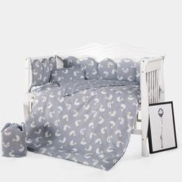 Neue angekommene heiße Krippe Bettwäsche Set 10pcs / Set umfassen Kissenbezug + Matratze + Bettbezug mit Füllung von Fabrikanten