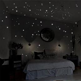 arte obscuridade da parede do fulgor Desconto Brilham no escuro adesivos de parede 400 pcs rodada pontos luminosos adesivos de casa quarto teto diy decoração arte decalques de parede murais