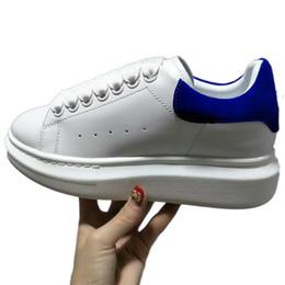 Dentelle oxfords pour femmes en Ligne-Designer Coloré Femmes Hommes Sneakers Chaussures Confort Casual Chaussures Plate-Forme Rouge Bas Mqueen Chaussures En Cuir À Lacets Oxford En Cuir Robe Chaussure