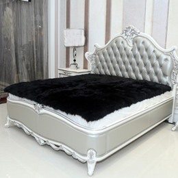 Tapete de pele de carneiro Faux preto Cobertores de peles artificiais Cobertores decorativos Tapete Artificial tapetes e tapetes para sala de estar tapete de pele cheap black fur carpet de Fornecedores de tapete de pele negra