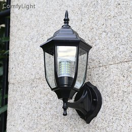 Lámpara de pared impermeable al aire libre LED villa Lámpara de pared vintage casa real diseñador / patio / patio / porche / iluminación de la pared de cristal del jardín desde fabricantes