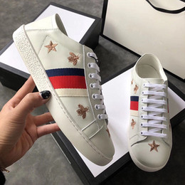 Wholesale Bee Board - The trend of the new trend of the new low - board shoe leather embroidery bee star casual couple white shoes.