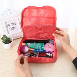 2019 uomini donne viaggio kit Neceser Zipper new Man Tracolla per donna Tracolla per cosmetici Beauty Case Trucco Organizzatore Kit da toilette Storage Travel Wpouch uomini donne viaggio kit economici