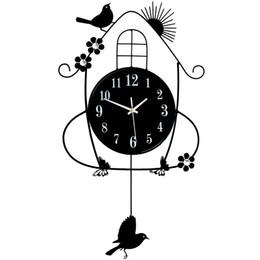 swing nero Sconti Creativo ferro nero altalena appeso uccello durevole elettronico orologio da parete grande parete arti e mestieri design moderno orologio economico