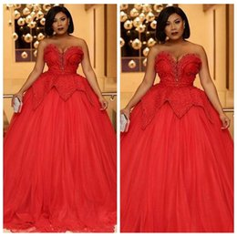 Wholesale Prom Dresses Sweethart - Plus Size Red Prom Dresses Long 2018 Beaded Sleeveless Ball Gown Sweethart Evening Gowns Tiered Ruffle Formal Occasion Party Gowns