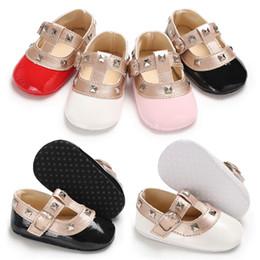 Baby Girls Rivets Mode Princesse Chaussures Mignons Bébés Mary Jane Premier Marcheurs 4 couleurs 3 tailles ? partir de fabricateur