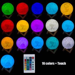 Materiales de puesta a tierra online-Lámpara de tierra recargable 3D Print Dimmable 16 colores con control remoto PLA Material Home Decor Regalo creativo luz de la noche