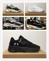 new arrivals 687d3 dde3d Adidas Yeezy Boost 700 Wave Runner KAWS Kanye West Originals 2018 Nuovo  Mens Designer Sport Scarpe da corsa per uomo Sneakers Donna Luxury Brand  Casual ...