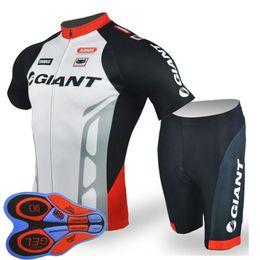 Jerseys de ciclo de verão on-line-GIGANTE equipe Ciclismo Mangas Curtas jersey (babador) shorts conjuntos de bicicleta equitação verão desgaste respirável roupas ropa ciclismo 9D gel pad F2005