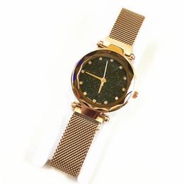 2019 новые роскошные женские часы специальный дизайн леди часы кварцевые высокое качество фиолетовый / синий магнитная пряжка подарок для девочек падение доставка cheap new watches designs for girls от Поставщики новые дизайнерские часы для девочек