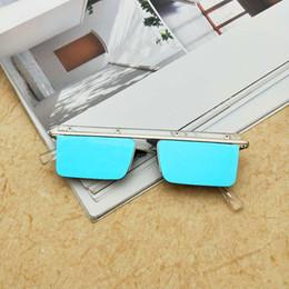 688f8516064fb MINCL Único Metade Armação Lente Dupla Mulheres Quadrados Óculos De Sol Da  Moda Dos Homens Espelho Azul Lente de Revestimento Óculos UV400 NX
