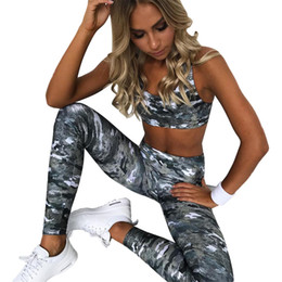 47445d9f6 Camuflagem Impresso das Mulheres novas Yoga Ternos Esportivos de Cintura  Alta Slim Levantar A Ponta Do Corpo De Fitness Terno Material Macio S-L  HTS69