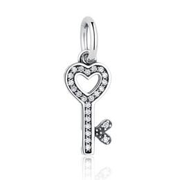 Canada Authentique 925 Sterling Silver CZ Pendentif Symbole De La Confiance Amour Coeur Clé Charme Perles fit Pandora Charme Bracelet DIY Fabrication de Bijoux Offre