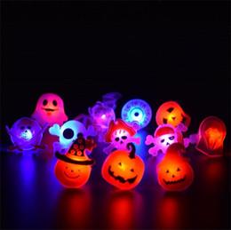 2019 18k светодиодный свет Хэллоуин световой свет кольца мигающий светодиодный палец свет призрак тыквы череп кольца Хэллоуин украшения праздничные атрибуты 0 35yy гг дешево 18k светодиодный свет