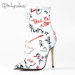 vente en gros bottines pour les femmes printemps automne hauts talons Perspex chaussures imperméables clair pvc blanc graffiti femmes bottines ? partir de fabricateur