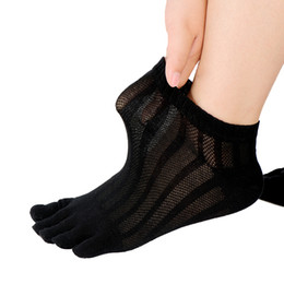 Wholesale thin ankle toe socks - 2018 New Arrival Male Summer Thin Short Mesh Cotton 5 Toe Socks Sweat Breathable Deodorant Five Finger Socks Men Ankle