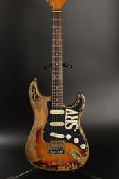 Canada Maître construit SRV Stevie Ray Vaughan Heavy Relic ST Tribute Vintage Body de guitare électrique brun, Relic Cigarette Fumée Scar Poupée Offre