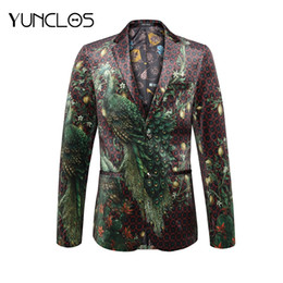 Costumes usés en Ligne-YUNCLOS 2018 Mode Hommes Costume Veste Vert Peacock Imprimer De Luxe Blazer Party Dress Stage Effectuer Slim Fit Casual