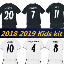Wholesale boys football kits - 2019 2018 Real Madrid New Kids soccer jersey kits 18 19 RONALDO ASENSIO RAMOS BALE ISCO MODRIC Benzema Camiseta football kit Jerseys