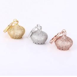 gros talon en gros Promotion Bijoux faits main en gros à la main de bricolage de perles s'adapte pavé CZ perles couronne forme glands en métal collier pendentif bijoux composant composant