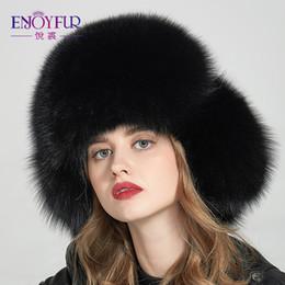 DISFRUTE DE LOS Sombreros de piel de zorro real para gorras de invierno con orejeras  Sombreros de bombardero de las mujeres Moda Gorros de piel caliente ... d10f85b6c78
