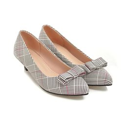 Wholesale womens red plaid dress - Hot Sale Fashion Womens Synthetic Low Heel Court Shoes Ladies Pointed Toes Bowtie Pumps FF-S733 Size Customized By Favofans