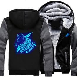 Светящиеся толстовки онлайн-Drop shipping USA SIZE Men's Wolf Jackets Logo Printed Luminous Glowing Men's Hoodies Sweatshirts Winter Thicken Fleece Coats
