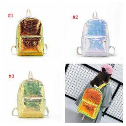 fbb9c22ae 2019 bolsas de mochila harajuku 3 colores Bolsas Harajuku Estilo Mujeres  Sirena Holograma Mochila PU Metálico