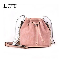 Крылатые сумочки онлайн-LJT 2018 Winter Korean Scrub PU Leather Handbags Ladies Personalized Wings Bucket Bag Women Chain Mini Shoulder Messenger Bag