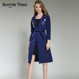 2018 mujeres invierno sólido bordado con cordones gruesas chaqueta casual señora abierta puntada larga chaqueta abrigo delgada manga completa desde fabricantes