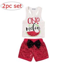 Sequinino di anguria online-INS Baby Girl Summer Watermelon Outfit Neonato Senza Maniche Vest Tank + Paillettes Bow Shorts 2 PZ Set Bambini Abbigliamento set