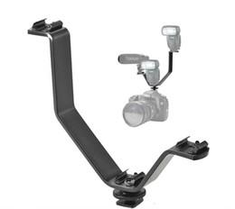 Sapata Tripla Quente V Suporte de Flash de Montagem para Luzes de Vídeo Microfones ou Monitores em Câmeras e Filmadoras cheap video camcorder light de Fornecedores de luz de vídeo camcorder