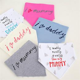 Wholesale I Baby - Baby Bibs Infants Burp Cloths Saliva Towel triangle I love mummy I really love my Daddy Cute letters Slabbetjes Bandana Feeding Scarf B11