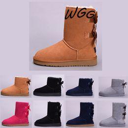 af546a5c0327d UGG boots 2019 wgg invierno diseñador Australia Botas de nieve clásico WGG  medio Bailey Bowknot botas de mujer Rojo Negro Rojo Gris botines de rodilla  de ...