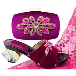 Tiendas de zapatos de boda online-Nueva tienda 50% de descuento 2018 Nuevos zapatos superaltos italianos a juego Bolsa con punta redonda Otoño Africano Zapato para boda y fiesta
