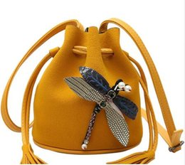 Wholesale dragonfly bags - Bucket Ladies Clutches Tote Dragonfly Cross-body Bags For Women 2018 Women Messenger Bags Good Quality Women Bag A1358 g