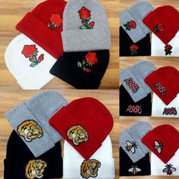 Wholesale Fashionable Hats - Fashionable embroidered lady's hat New men's casual knit cap Warm hat wholesale in winter