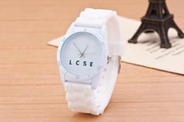 Reloj de pulsera analógico mujer online-Marca casual Mujeres Hombres Unisex Animal cocodrilo Estilo Dial correa de silicona relojes de pulsera de cuarzo analógico LA02