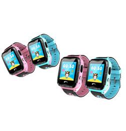 Venda de câmeras impermeáveis on-line-IP67 À Prova D 'Água V6G Relógio Inteligente Rastreador GPS Monitor de Chamada SOS com Câmera de Iluminação Bebê Natação Smartwatch para Crianças Criança 2 Cores Venda Quente
