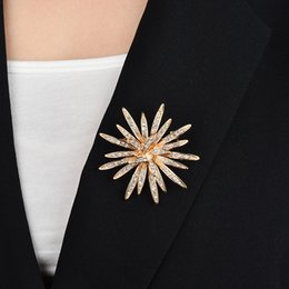 sun flower brooch Australia - Factory Direct Sell Fashion Women Sun Flower Brooch Female Water Drill Corsage Exquisite Simple All Match Pin Accessories Gift Wholesale