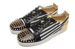 Wholesale flat bottom rhinestones - Best Studded Spikes Red Bottom Sneakers Luxury Leather Flats Rhinestones Shoes For Men & Women Party Designer Sneakers Lovers Casual Shoes
