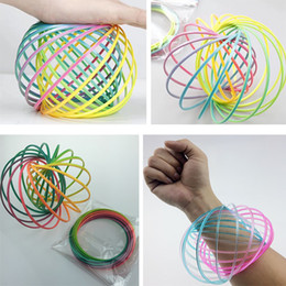 Wholesale Funny Bracelets - Rainbow Flow rings Bracelet Flowtoys flowrings Torofluxus Amazing Kinetic Funny Plastic Toys Outdoor Game Party Favor Gifts HH7-444