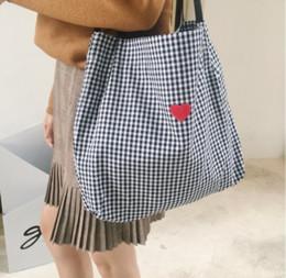 2018 корейская версия a137chic винтажное сердце девушки и искусство тартан холст вышитые ткани с сумкой. supplier embroidered cloth bag от Поставщики вышитый мешок ткани