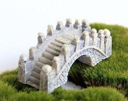 Ferramentas de jardinagem em miniatura on-line-Resina Mini Ponte Em Miniatura Paisagem Jardim de Fadas Musgo Terrário Decoração Ferramenta Jardim Artesanato DHL grátis frete