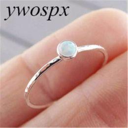 impostazione in pietra lunetta Sconti YWOSPX Elegante 3mm rotonda lunetta in pietra opale impostazione singola pietra sottile delicato ragazze carine donne anello color argento 6 7 8 9 10 Y-30