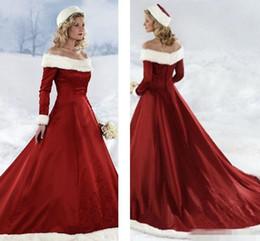 Winter Brautkleider Vintage Off Shoulder Stickereien mit langen Ärmeln Red Brautkleider Gericht Zug Herbst Winter Weihnachten Brautkleid von Fabrikanten