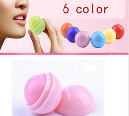 2019 frutos de labios Lindo Bálsamo Labial Bola Redonda 3D Lipbalm Sabor A Fruta Lip Smacker Labios Hidratantes Naturales Cuidado Bálsamo Labial X085 frutos de labios baratos