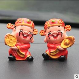 Dekoration vermögen online-Kreative Nehmen Yuanbao Nehmen Kupfer Geld Fortune Automobil Dekoration Harz Puppe Glück Fortune Weihnachtsdekoration Mode Zarte Decorat