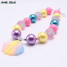 Più nuova ragazza Kid Chunky Collana Rainbow Color Shell Pendant Bubblegum Chunky Beads Collana Girl Children Jewelry da ciondolo giada asiatico fornitori