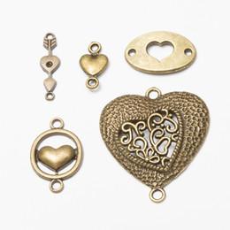 Wholesale love bracelet connectors - Heart Charms Love Connectors Antique Bronze DIY Jewelry Making Pendant for Fashion Bracelet Necklace Earrings